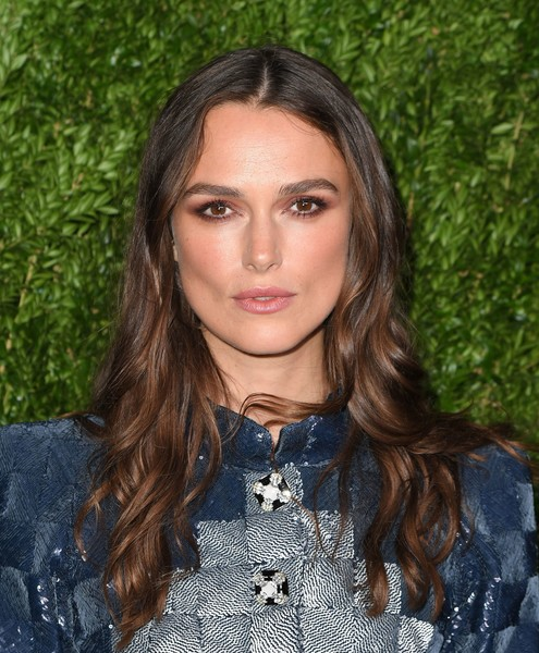 Keira Knightley Long Wavy Cut [hair,beauty,human hair color,eyebrow,hairstyle,fashion model,blond,long hair,black hair,brown hair,jewelry,keira knightley,arrivals,honor,dinner,fine,the jewel box,chanel,bergdorf goodman,chanel fine jewelry dinner]