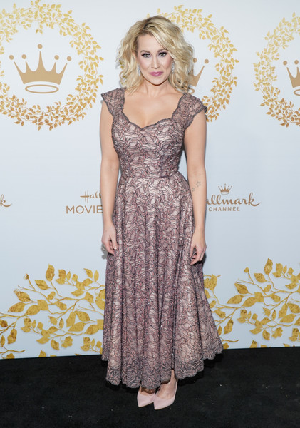 Kellie Pickler Lace Dress [hallmark movies and mysteries - arrivals,dress,clothing,fashion,cocktail dress,red carpet,carpet,gown,premiere,fashion model,flooring,kellie pickler,pasadena,california,tournament house,hallmark channel,winter tca tour,hallmark movies and mysteries 2019 winter tca tour]