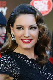 Kelly looked radiant with luscious red lips at the 'Crazy Horse' photo call in London.
