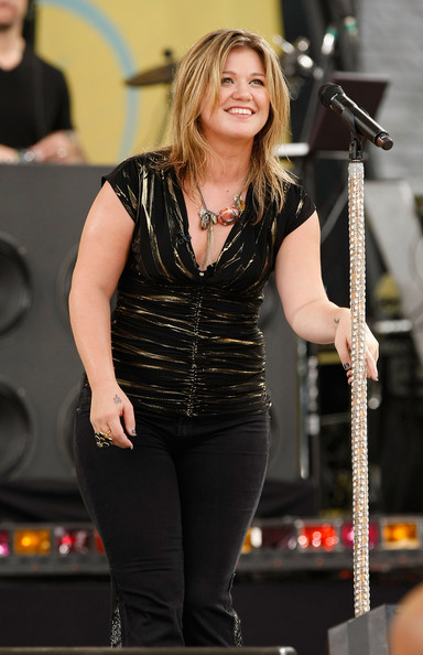 More pics of kelly clarkson heart tattoo 22 of 48 for Kelly clarkson tattoo