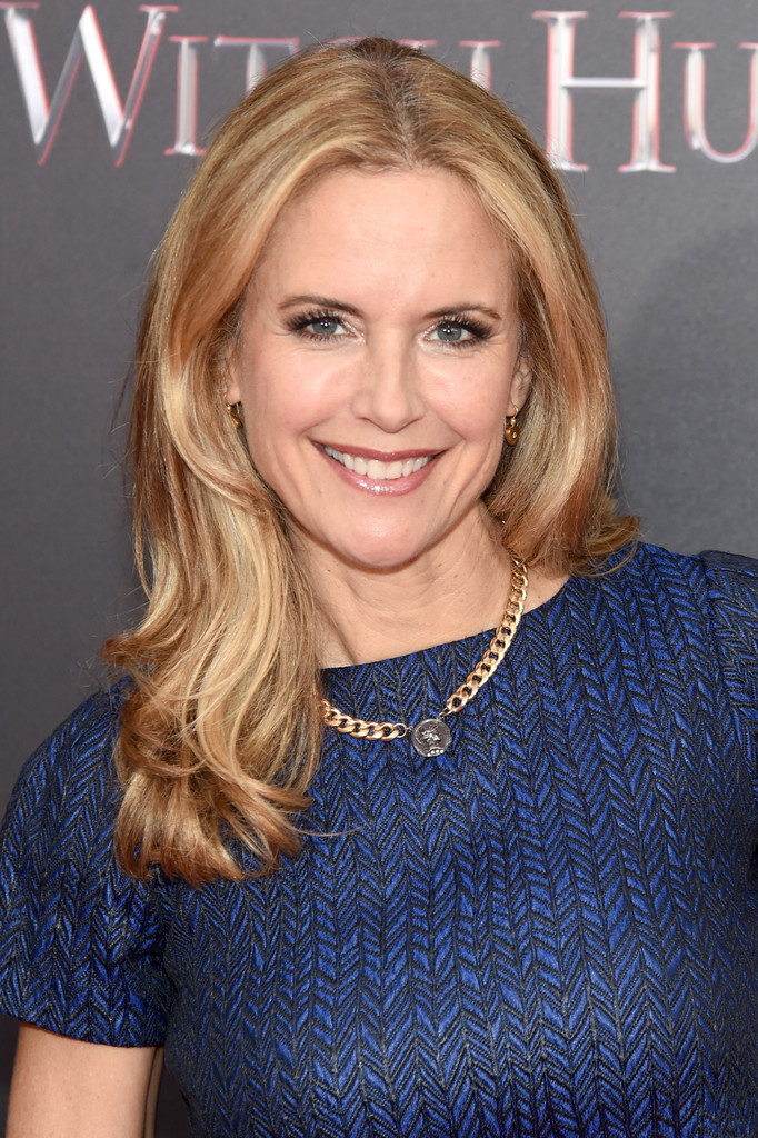 Kelly Preston Long Wavy Cut Kelly Preston Looks