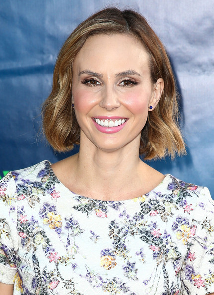 Keltie Knight Short Wavy Cut []