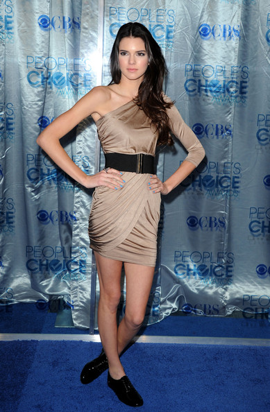 Kendall Jenner One Shoulder Dress [kendall jenner,peoples choice awards,california,los angeles,nokia theatre l.a. live,arrivals]