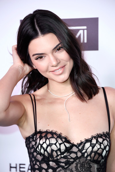 Kendall Jenner Medium Wavy Cut