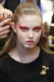 Check out the fiery red shadow Lindsey wore for the Thakook Fall 2011 show.
