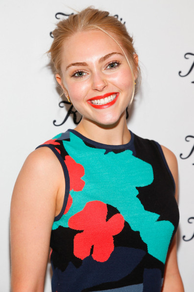 More Pics of AnnaSophia Robb Pointy Flats (3 of 12) - AnnaSophia Robb Lookbook - StyleBistro