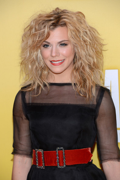 Kimberly Perry Medium Curls
