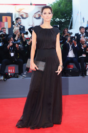 Giorgia Surina opted for a simple black gown when she attended the Kineo Awards ceremony.