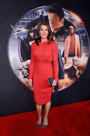 Brooke Shields opted for a simple yet chic ruched red cocktail dress for the premiere of 'Kingsman: The Secret Service.'