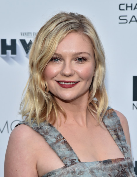 Kirsten Dunst Medium Wavy Cut - Medium Wavy Cut Lookbook - StyleBistro Kirsten Dunst Medium Hair