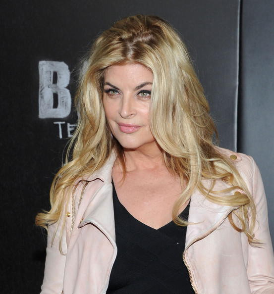 Kirstie Alley Long Wavy Cut