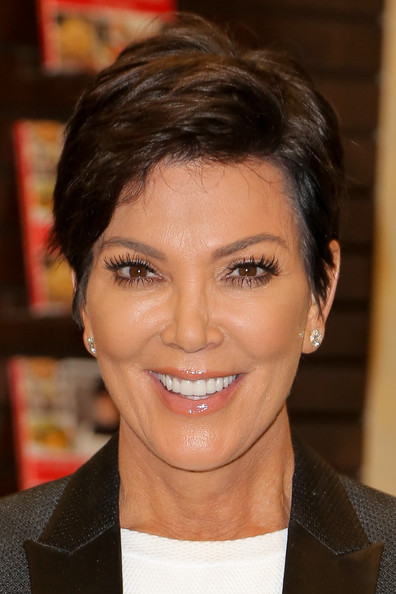 Kris Jenner Short Side Part [in the kitchen with kris,hair,face,eyebrow,hairstyle,forehead,chin,lip,black hair,smile,pixie cut,kris jenner,bookstore,california,los angeles,the grove,barnes noble,kris jenner book signing,signing]