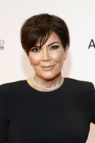 Kris Jenner Short Side Part [gala,kris jenner,hair,face,hairstyle,eyebrow,bob cut,chin,black hair,forehead,bangs,pixie cut,race,beverly hills,california,the beverly hilton hotel]