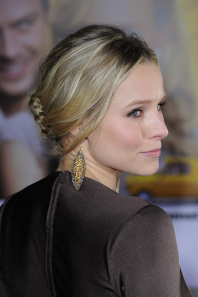 Kristen Bell Dangle Decorative Earrings