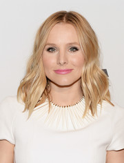 Kristen Bell went for a boho vibe with this center-parted wavy 'do during the Gorilla Doctors of Africa benefit.