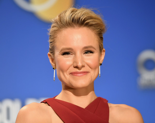 Kristen Bell Pompadour [hair,face,facial expression,hairstyle,chin,eyebrow,skin,head,blond,beauty,los angeles,california,golden globe nominations announcement,kristen bell]