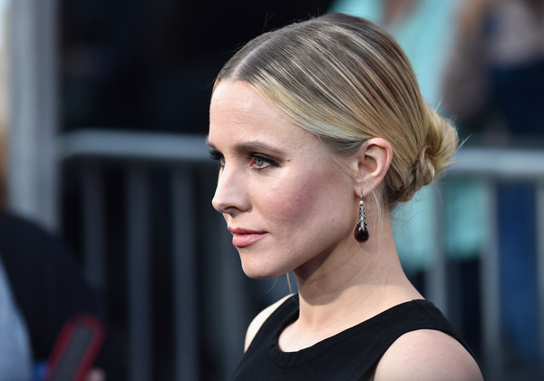 Kristen Bell Twisted Bun [premiere of warner bros. pictures,hair,face,hairstyle,blond,beauty,eyebrow,chin,ear,street fashion,lip,kristen bell,arrivals,california,hollywood,tcl chinese theatre,warner bros. pictures,chips,premiere]