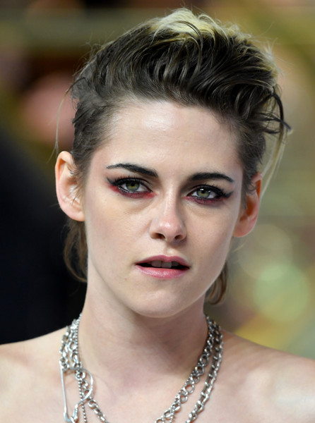 Kristen Stewart Pink Lipstick [charlies angels,charlies angels uk premiere,hair,face,eyebrow,hairstyle,beauty,lip,chin,skin,fashion,blond,red carpet arrivals,kristen stewart,uk,england,london,premiere,the curzon mayfair]