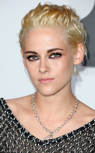 Kristen Stewart Messy Cut [hair,face,eyebrow,hairstyle,blond,chin,lip,shoulder,beauty,forehead,arrivals,kristen stewart,lily-rose depp,ca,los angeles,west hollywood,sunset tower hotel,chanel dinner,chanel dinner celebrating n]