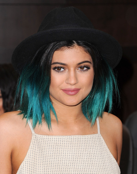 Kylie Jenner Medium Layered Cut
