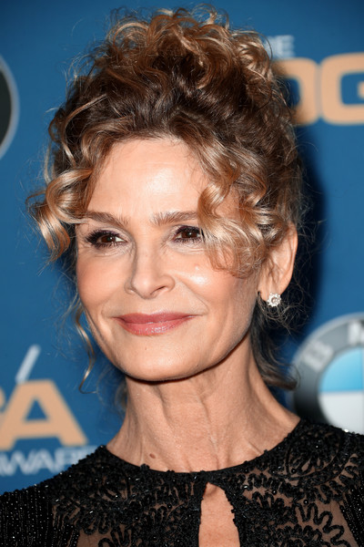 Kyra Sedgwick Pinned Up Ringlets [hair,hairstyle,face,eyebrow,blond,chin,lip,brown hair,ringlet,feathered hair,arrivals,kyra sedgwick,directors guild of america awards,beverly hills,california,the beverly hilton hotel]