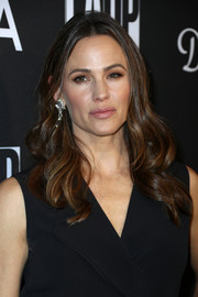 Jennifer Garner looked gorgeous with her bouncy waves at the L.A. Dance Project Gala.