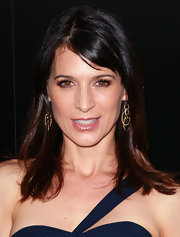 Perrey Reeves attended a benefit for Homeless Youth Services wearing her silky tresses straight with side-swept bangs.