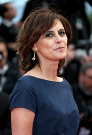Ines de la Fressange wore her hair in a casual bob at the Cannes Film Festival premiere of 'La Tete Haute.'