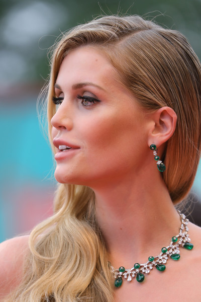 Lady Kitty Spencer Dangling Gemstone Earrings [la v\u00e9rit\u00e9,la v\u00e3\u00a9rit\u00e3\u00a9,hair,face,hairstyle,blond,eyebrow,beauty,chin,ear,skin,long hair,red carpet arrivals,kitty spencer,sala grande,red carpet,screening,venice,opening ceremony,76th venice film festival]
