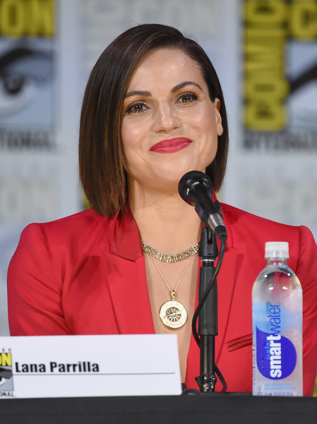 Lana Parrilla Graduated Bob [once upon a time,water,beauty,spokesperson,event,long hair,news conference,lana parrilla,panel,san diego convention center,california,panel,abc,comic-con international 2017 - abc]