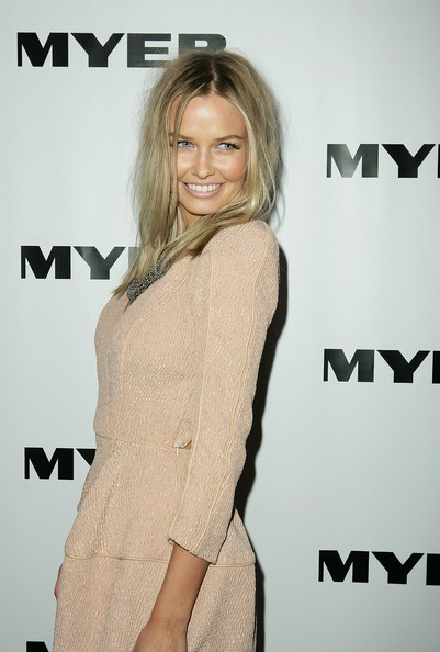 Lara Bingle Long Center Part