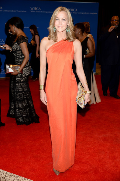 Lara Spencer Beaded Clutch [dress,red carpet,clothing,carpet,gown,fashion model,shoulder,flooring,premiere,fashion,arrivals,lara spencer,washington dc,washington hilton,white house correspondents association dinner]