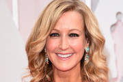 Lara Spencer Medium Wavy Cut