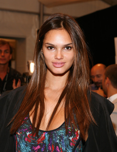 Long Straight Cut, Long Hairstyle 2013, Hairstyle 2013, New Long Hairstyle 2013, Celebrity Long Romance Hairstyles 2050