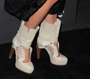 Soshana walked the carpet in an intricate pair of cut out ankle boots, complete with lace and treading on the bottom.