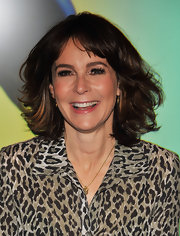 Jennifer Grey showed off her brunette layered cut while launching the Epic Mickey video game.