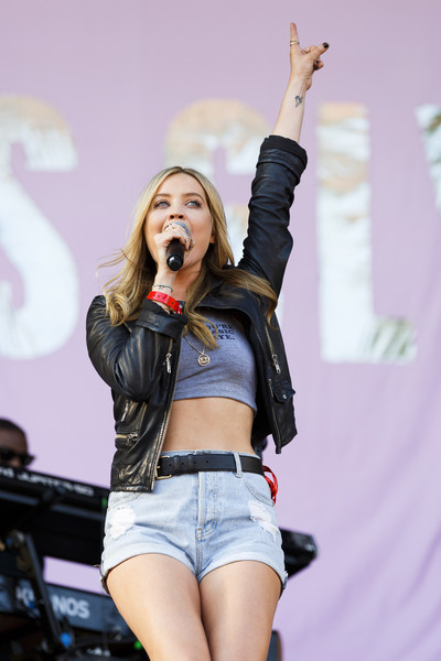 Laura Whitmore Leather Belt [performance,music artist,entertainment,thigh,singing,leg,singer,performing arts,public event,pop music,jess glynne,laura whitmore,stage,hylands park,england,chelmsford,v festival]