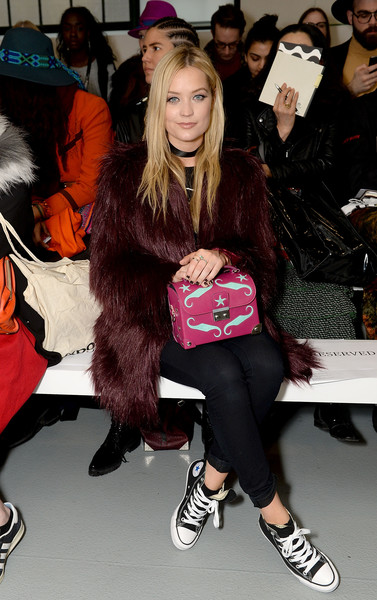 Laura Whitmore Printed Purse [show,aw16,clothing,fur,fashion,footwear,leg,tights,fur clothing,joint,textile,shoe,celebrities,holly fulton,laura whitmore,front row,london,england,london fashion week autumn]