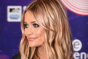 Laura Whitmore Long Wavy Cut