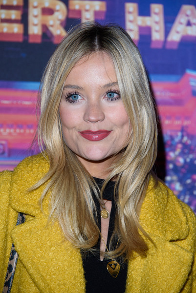 Laura Whitmore Gold Pendant [hair,blond,hairstyle,long hair,layered hair,lip,brown hair,premiere,feathered hair,hair coloring,arrivals,emma bunton,laura whitmore,hilton park lane,london,england,christmas party]
