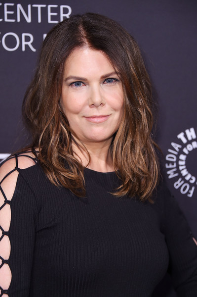 Lauren Graham Medium Wavy Cut