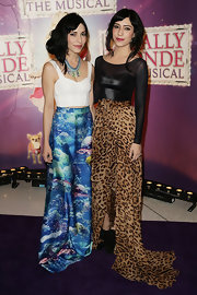 Lisa Origliasso arrived at the 'Legally Blonde The Musical' wearing a corset top and a long printed skirt.