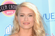 Leven Rambin Long Wavy Cut