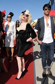 Amanda Lepore arrived with the Life Ball in Vienna wearing a knee-length velvet dress.