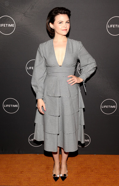 Ginnifer Goodwin went for fun styling with a pair of polka-dot pumps by Malone Souliers.