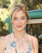 Caitlin Fitzgerald looked romatic with her loose updo at the 'Unreal' cast's summer kickoff event.