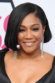 Tiffany Haddish glammed her with a pair of diamond chandelier earrings by Jacob & Co.