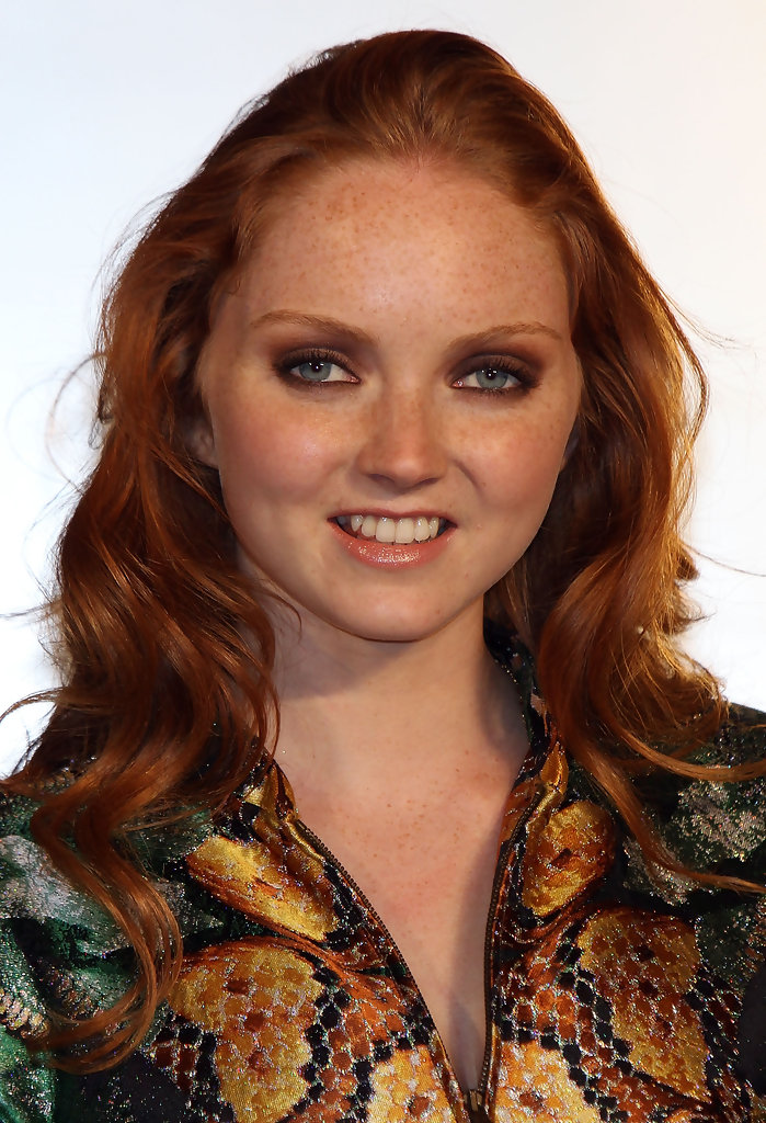 Lily Cole Long Wavy Cut Lily Cole Hair Looks Stylebistro