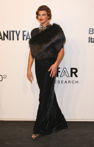 Linda Evangelista attends amfAR Milano 2009 red carpet, the Inaugural ...