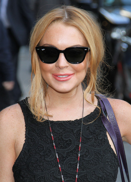 Lindsay Lohan Wayfarer Sunglasses [eyewear,hair,sunglasses,hairstyle,blond,glasses,lip,beauty,cool,vision care,late show with david letterman,ed sullivan theater,new york city,celebrities,lindsay lohan]